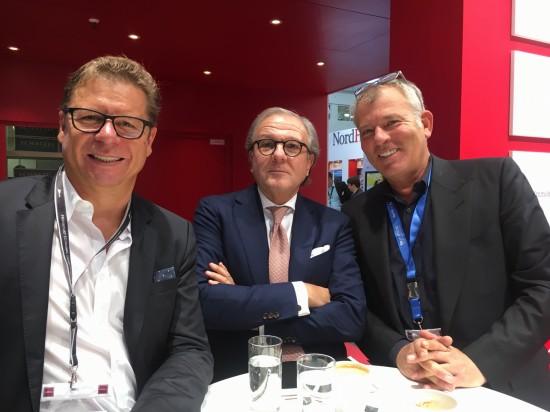 Mit Rainer von Puttkamer, von Puttkamer Vermögensverwaltung (Trust) & Cie. GmbH & Co. KG (Mitte) und Matthias Knisig, JAC GmbH (rechts)